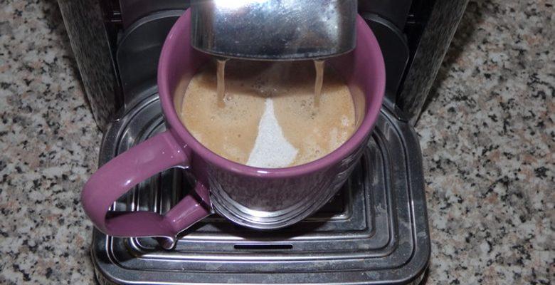Installer une machine à café en entreprise : un vrai investissement pour améliorer la performance du personnel